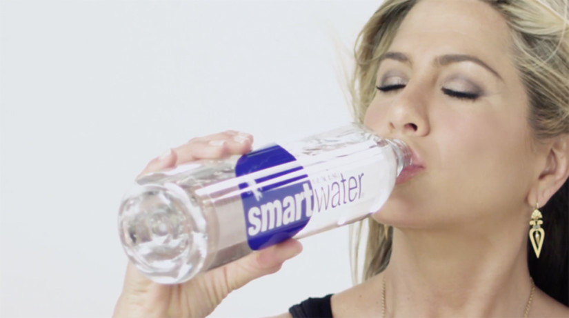 jennifer-aniston-smartwater
